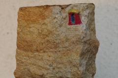 """Künstler: """"Mandir Tix"""" * Titel: """"rot-goldener Tempel"""" * Technik: Sandstein * Höhe: ca. 1,25 m"""